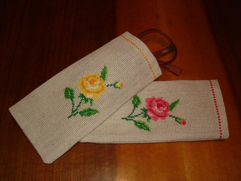 Очечники для двух любимых бабушек!!!. Вышивальный конкурс 'Я цветочки вышивала...'