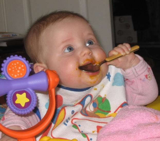 Кушаем очень вкусную тыковку!. Крошка с ложкой