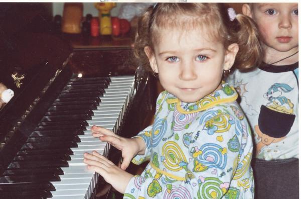 Пианистка. Дети-музыканты