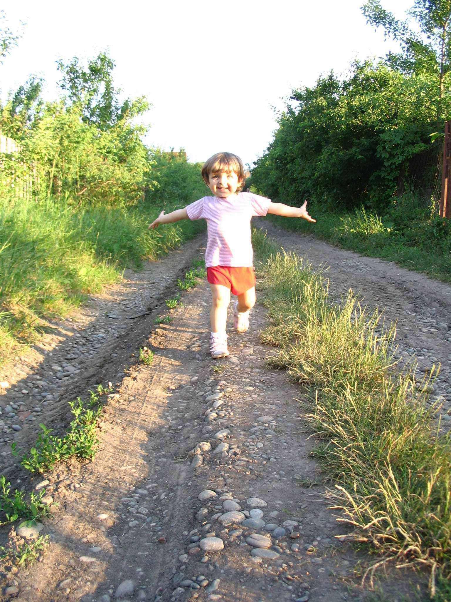 я бегу, бегу, бегу, удержаться не могу.... Лето, ах лето!..