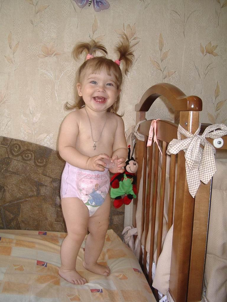 Ева 1 год. Сухие попки