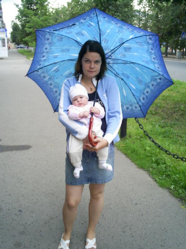 Мам, отпусти зонтик, я его держу!!!. Я и моя малышка