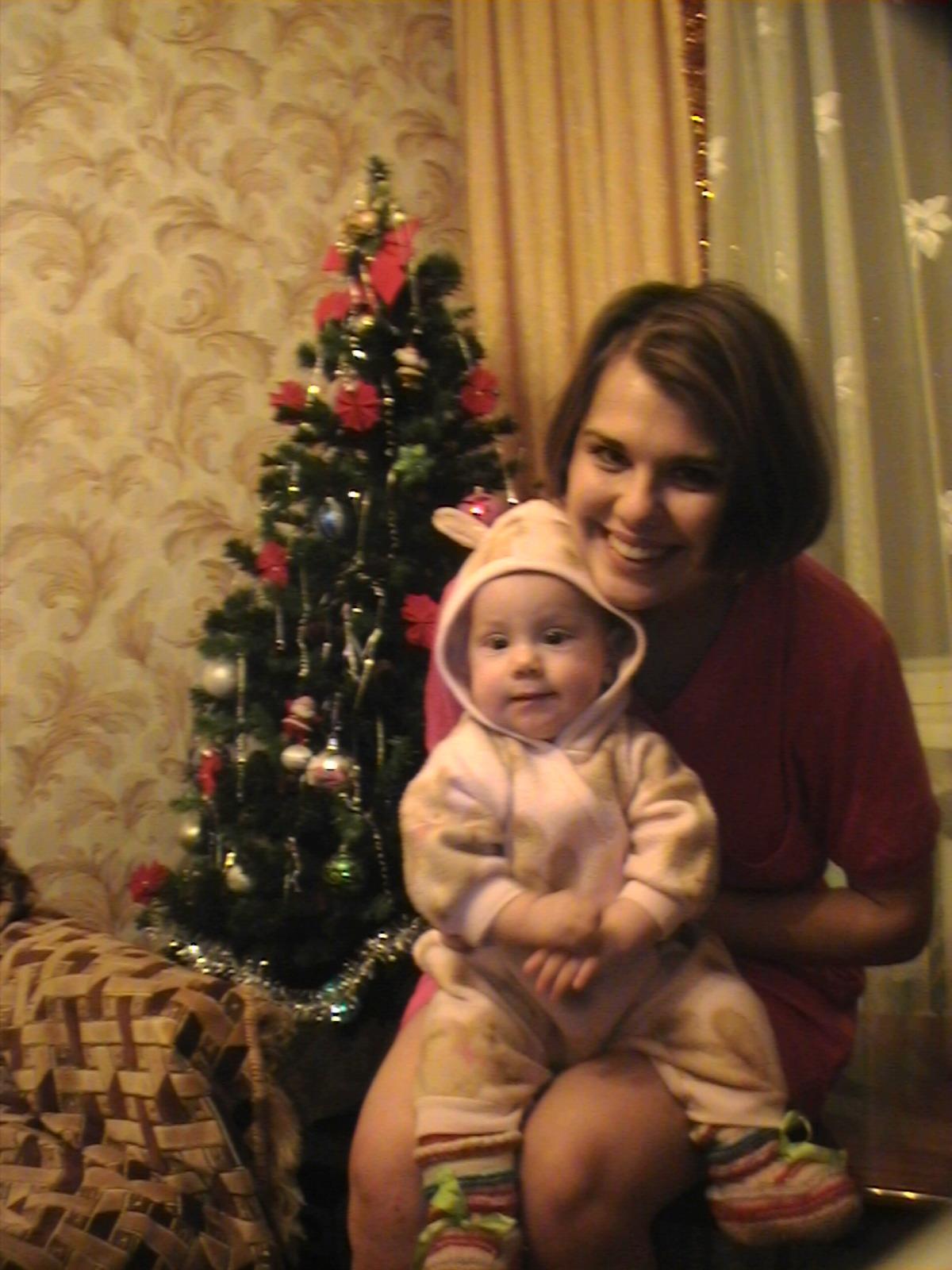 Трусишка зайка с мамочкой под елочкой скакал.... Я и моя малышка