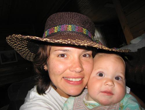Одна шляпа на двоих!. Я и моя малышка