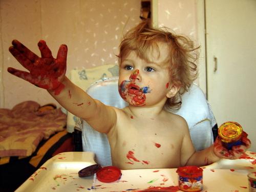 Красочный художник. Малыши-карандаши