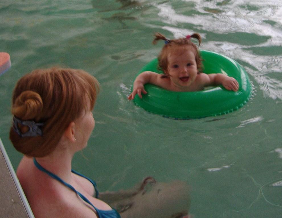 Плаваем вместе. Я и моя малышка