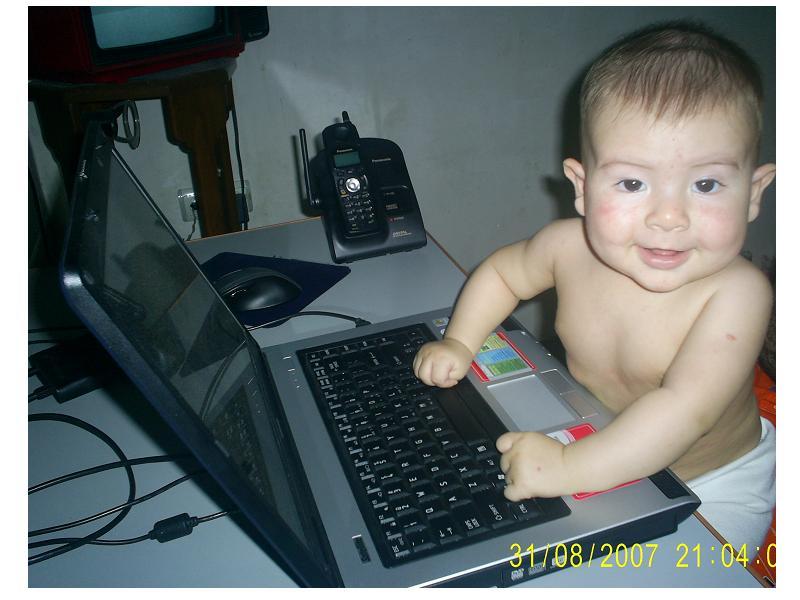 Первый ноутбук... был.. Дети и техника