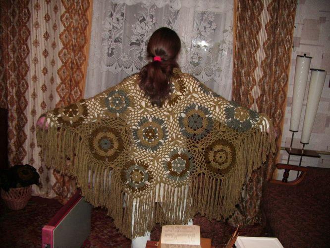 Одна из десятка, связанных мною шалей. Нитки полиэстер, 500г, схема из ж.'Наталья'. Пончо, шали, палантины, шарфы