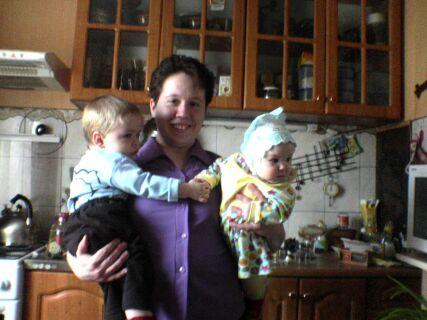 Алина у тёти Лены на руках с Сёмой её младшим сыном!!!. Друзья и подруги