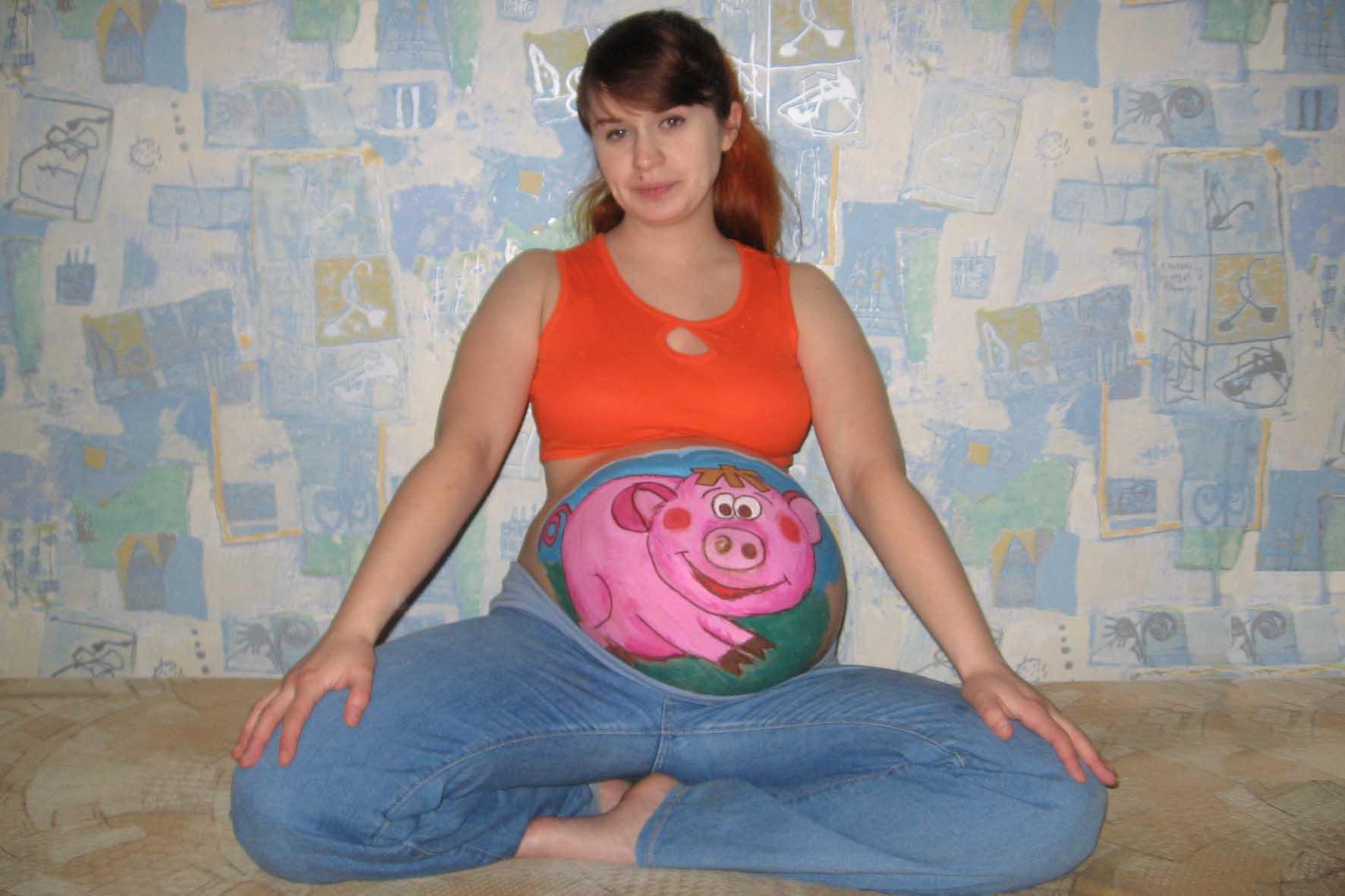 Красивая мама. Беременный боди-арт