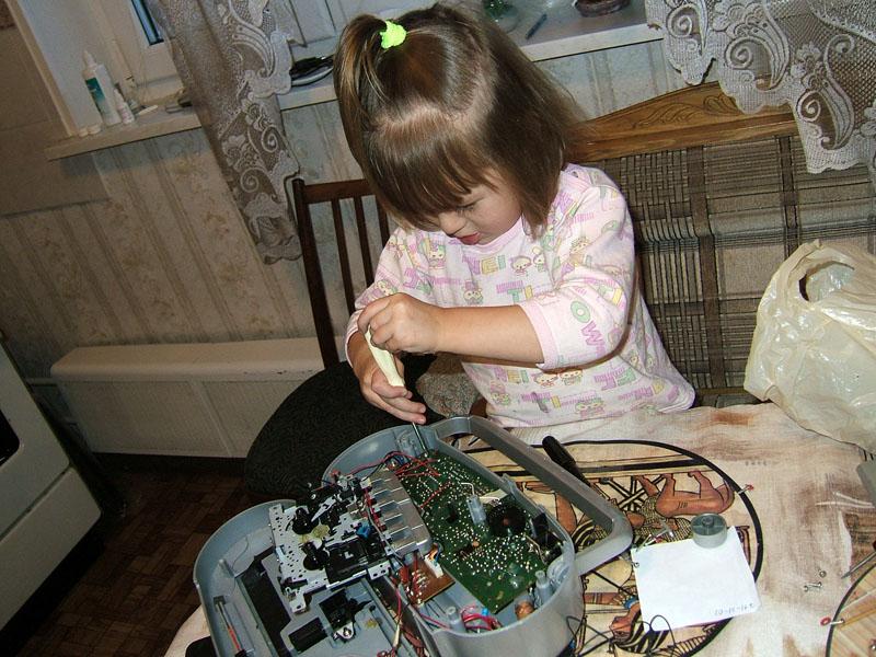 Юный техник. Дети и техника