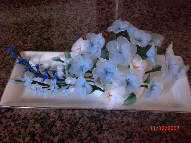 Цветы из капрона. Предметы быта