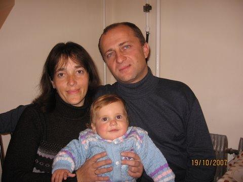 мама,папа,я - дружная семья.. Родственники