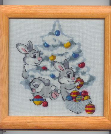 зайцы под ёлкой. Рождественские и новогодние мотивы