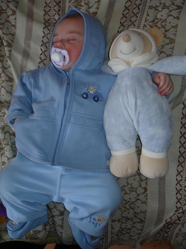 сладко-сладко спать. Спящие дети