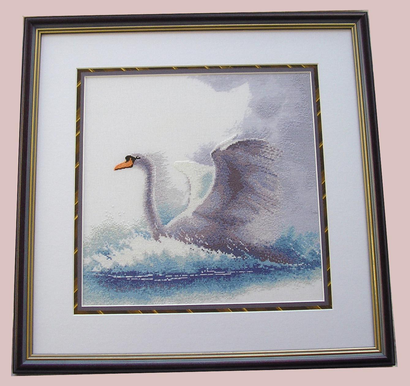 'Swan in flight',  Heritage . Птицы