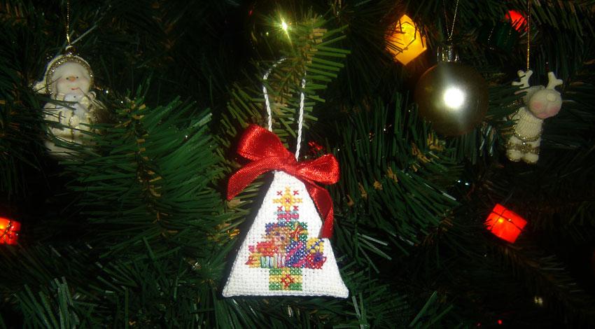 еще одна игрушечка. Рождественские и новогодние мотивы
