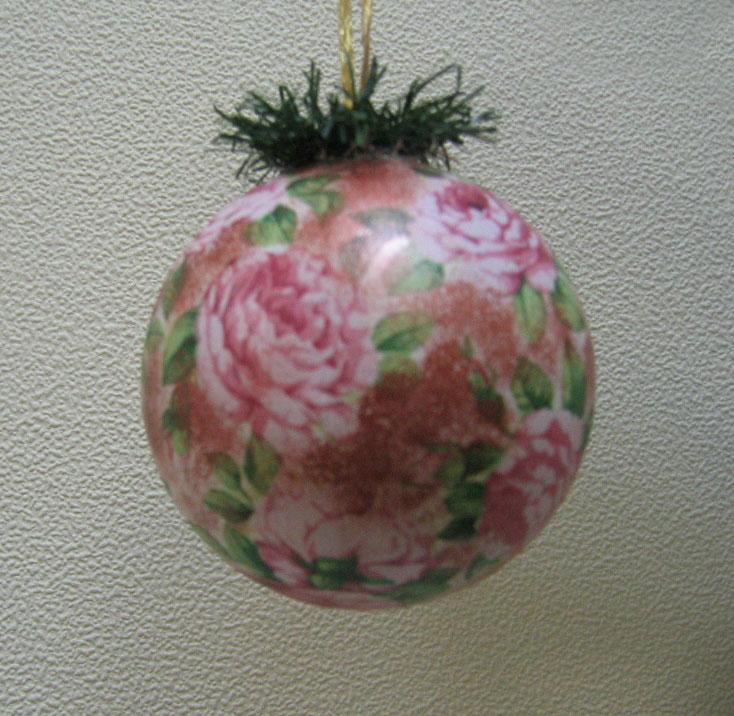 Ёлочный шарик. Декупаж