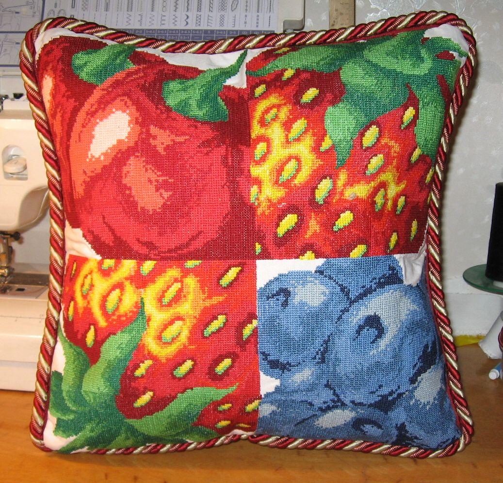 Падушка фруктовая. Диванные подушки с вышивкой и без