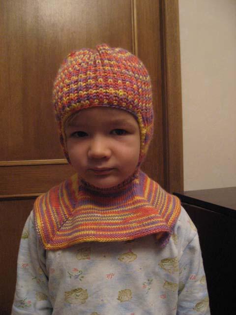 шапка-шлем. Шапки, шляпки, панамки и др.  вязаные головные уборы