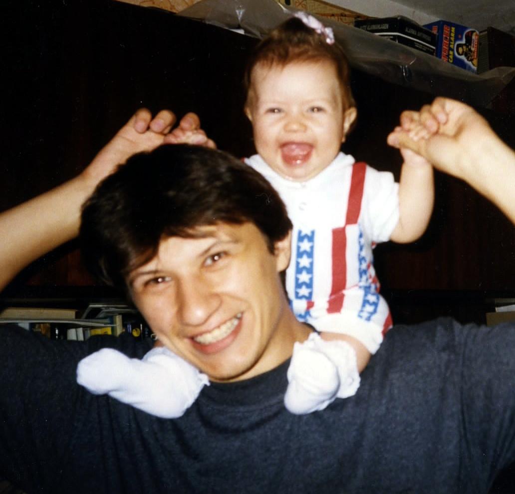 Я такая веселая, потому что папа у меня такой веселый!!!. Почему я веселый такой?
