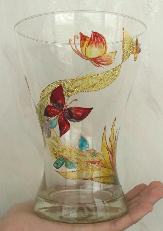 вазочка с бабочками... Увы, уже разбита. Стекло, керамика