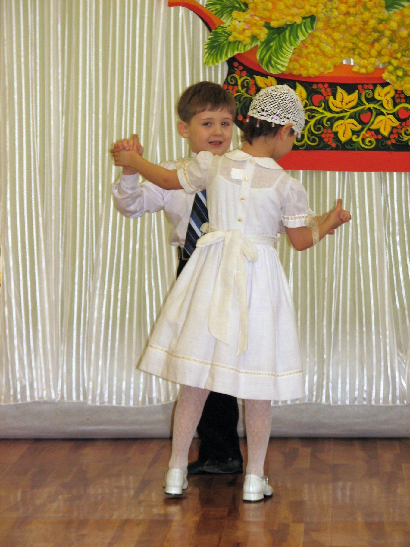 Белый танец. Танцуем и поем