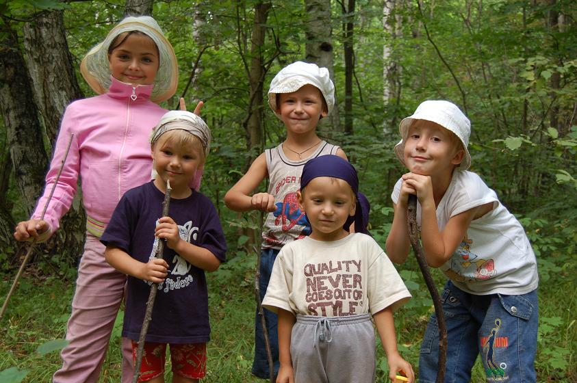 В нижегородских лесах. Братишки и сестренки