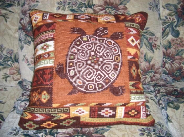 Подушка 'Черепаха'. Диванные подушки с вышивкой и без