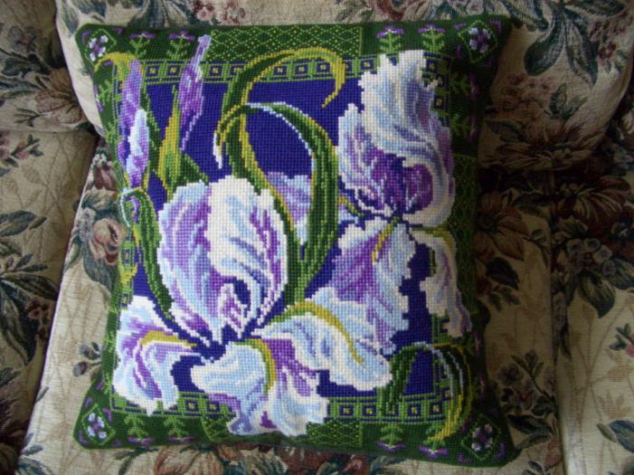 Подушка 'Ирисы'. Диванные подушки с вышивкой и без