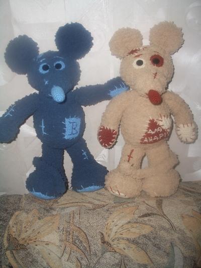 Плюшевые мыши Веруня и Андрюня. Вязаные игрушки