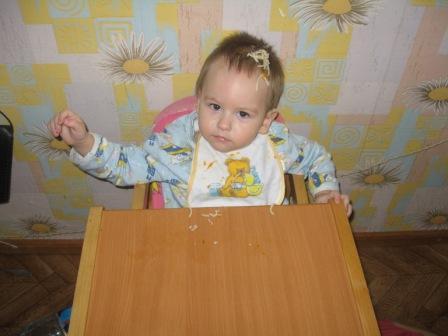 Наелся!!!!!!. Дети за едой