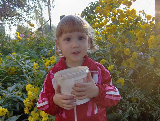 дочь Ольга 3 года. Дети улыбаются