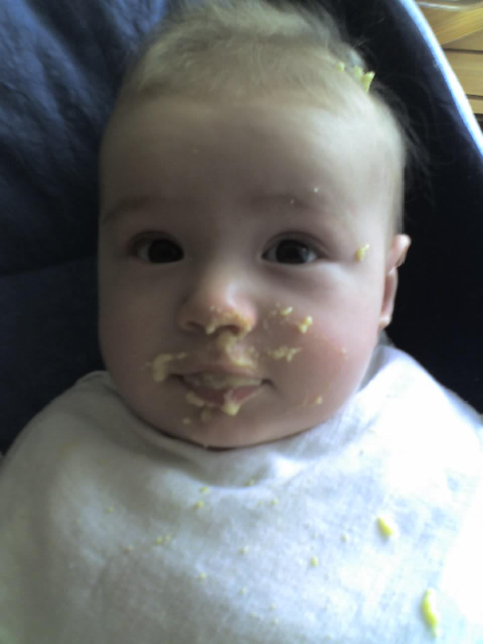 Очень вкусная была каша.... Дети за едой