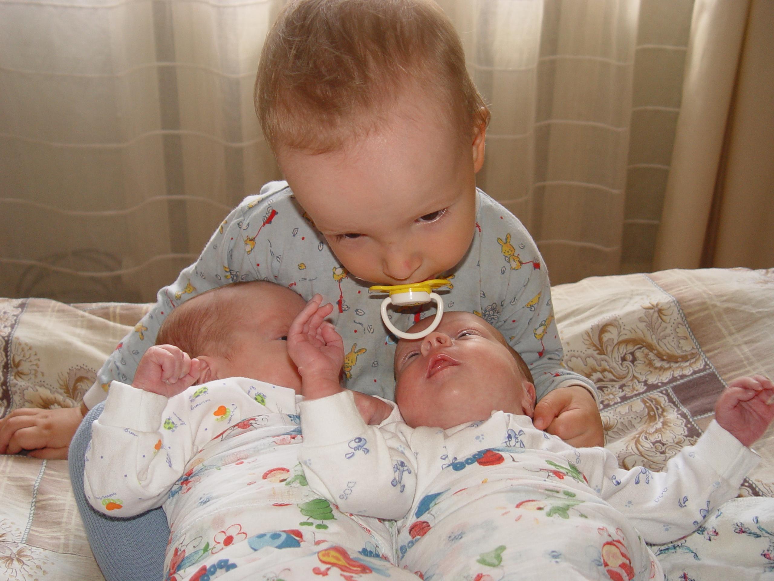 детки :(). Братишки и сестренки