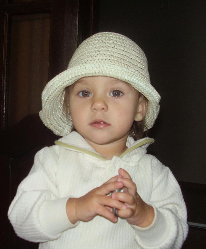 Дашуля в шляпе. Детские портреты