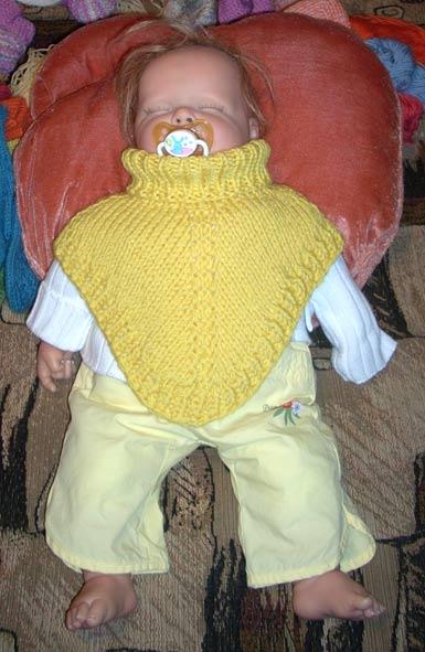 Вязаные манишки для слингодетишек. Одежда для детей