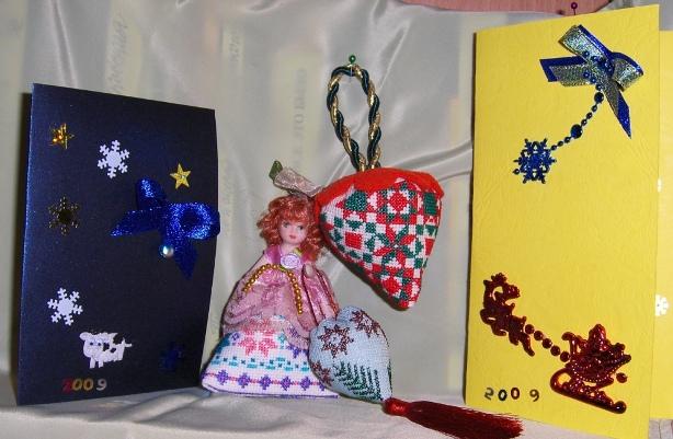 Новогодние мелочи. Игольницы, брелки, подстаканники, закладки и др. сувениры