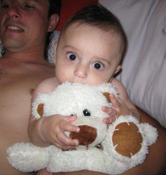 Два медвижонка ;-)). Дети с игрушками