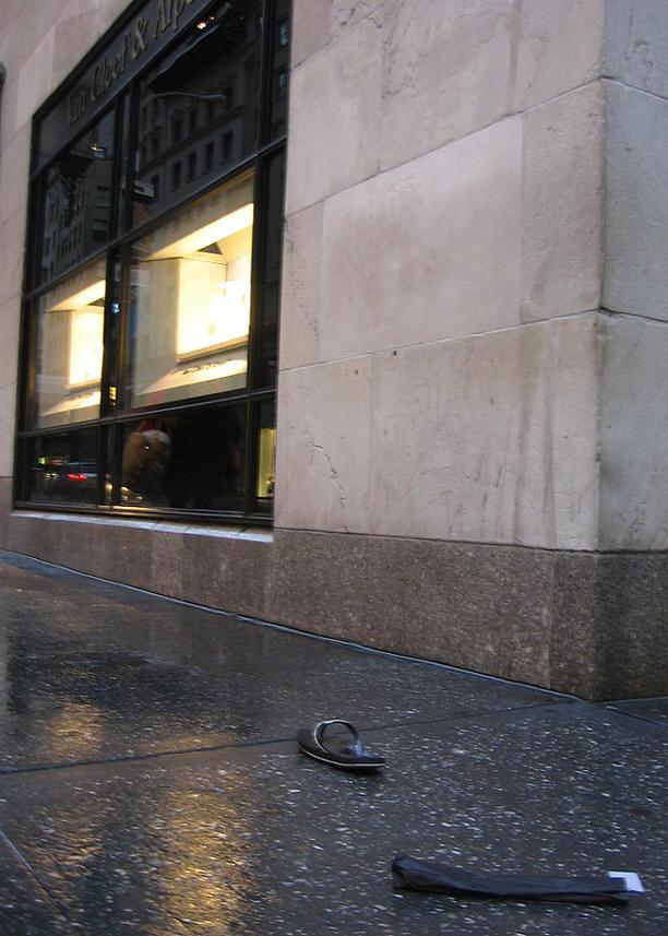 NYC, одинокий MJ (Маркуша) на 5-ой ave.