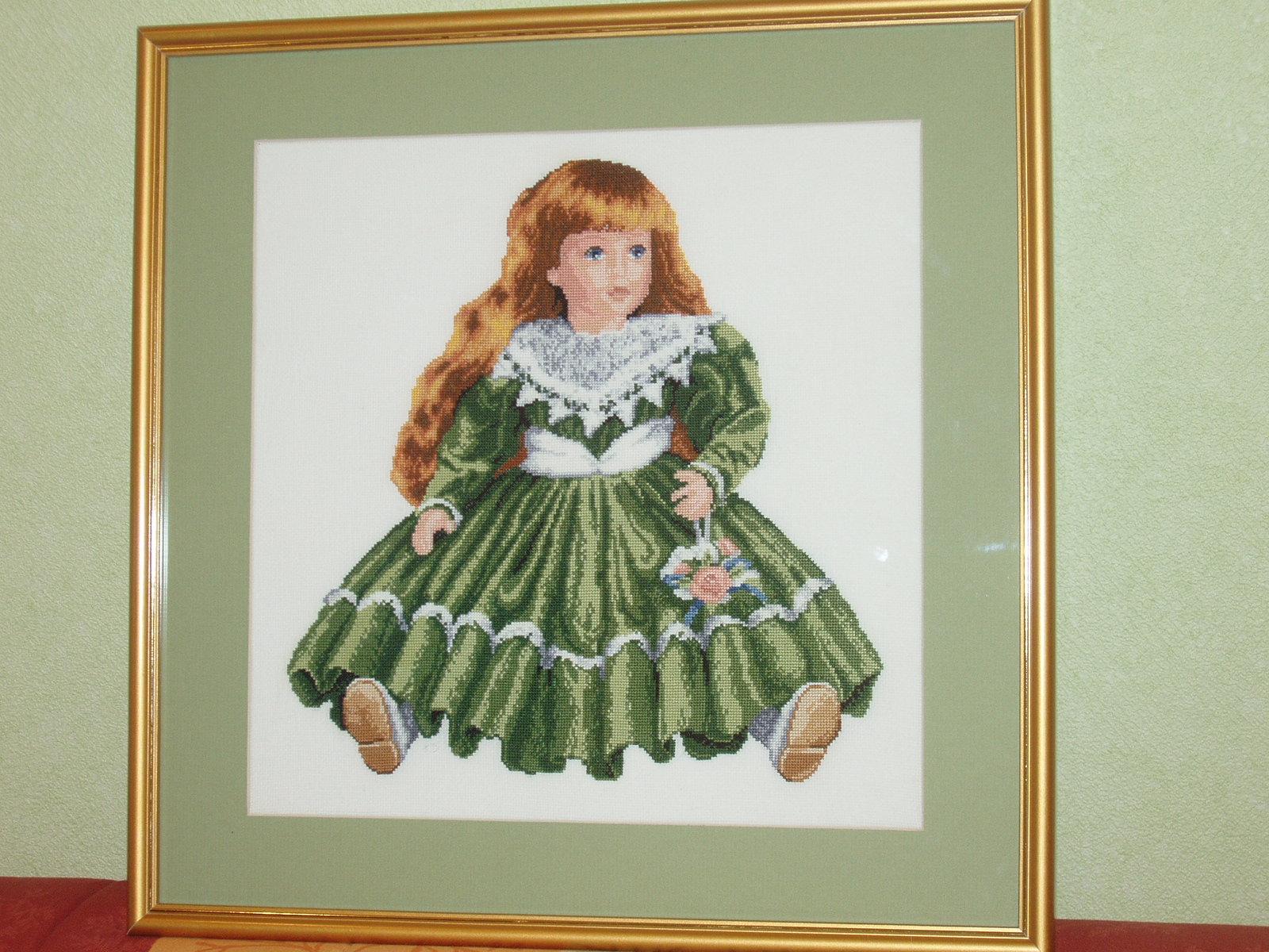 Кукла без банта. Вышивка: игрушки