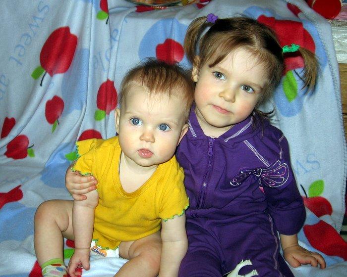 Две сестрички. Как мы похожи