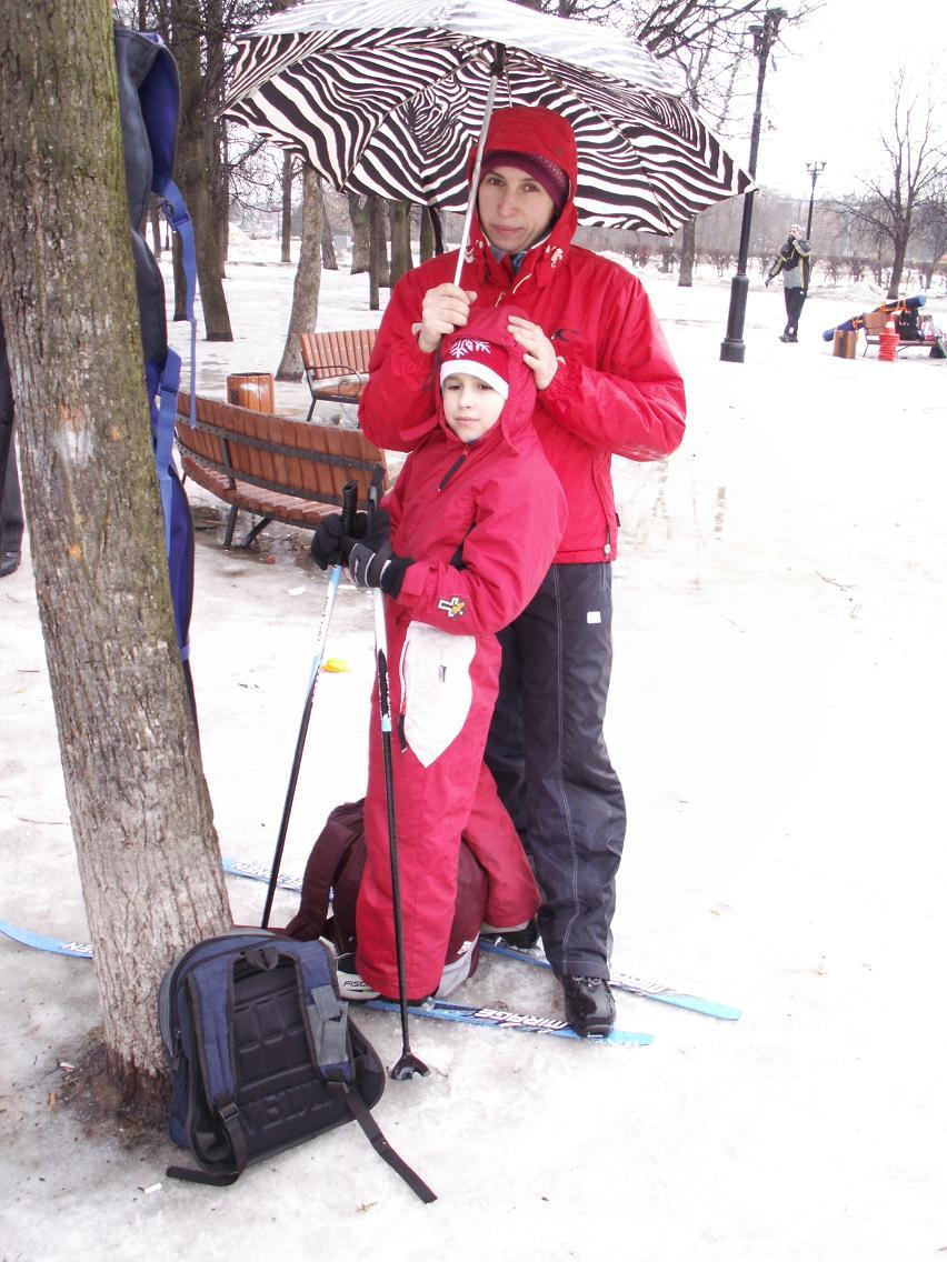 Мы с сыном и под дождем на лыжах катаемся!. Спортивная семья