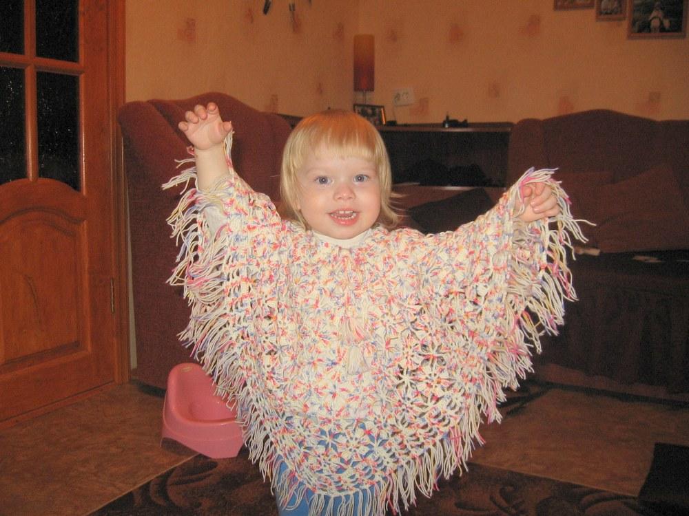 Пончо для малышки. Одежда для детей