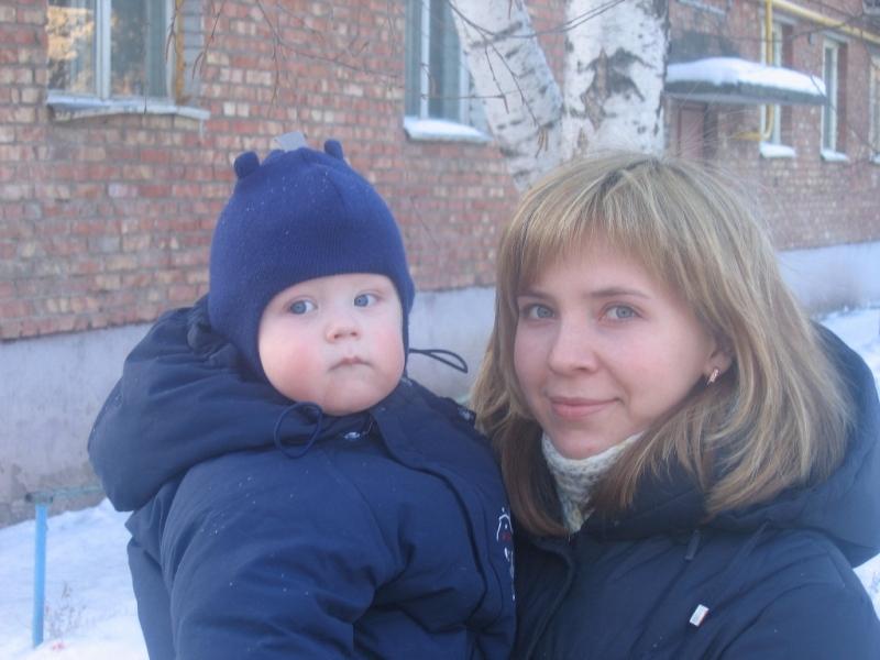 Мы с Вовкой зимние, посленовогодние. Вместе с мамой
