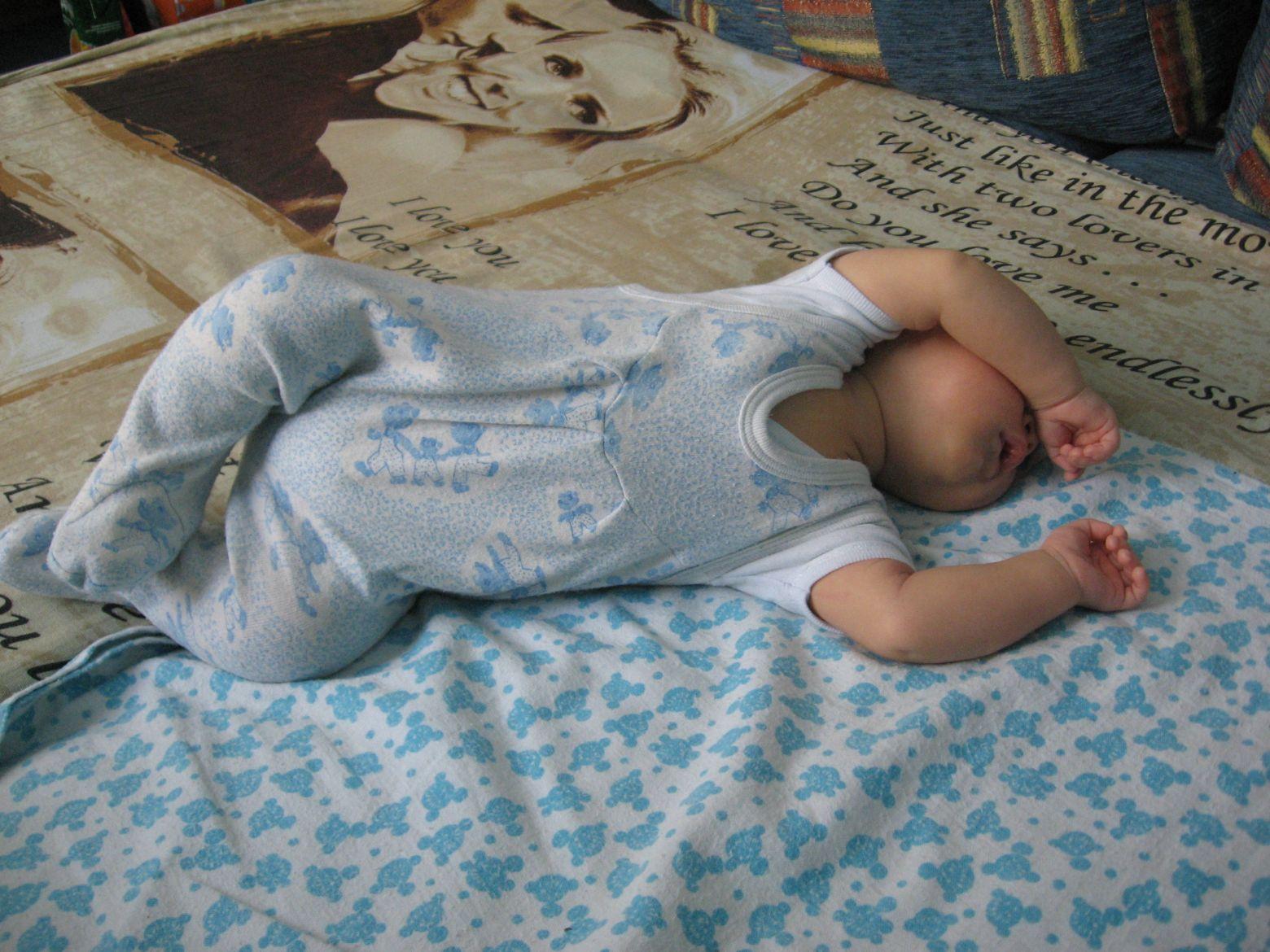 3 месяца. Спящие дети