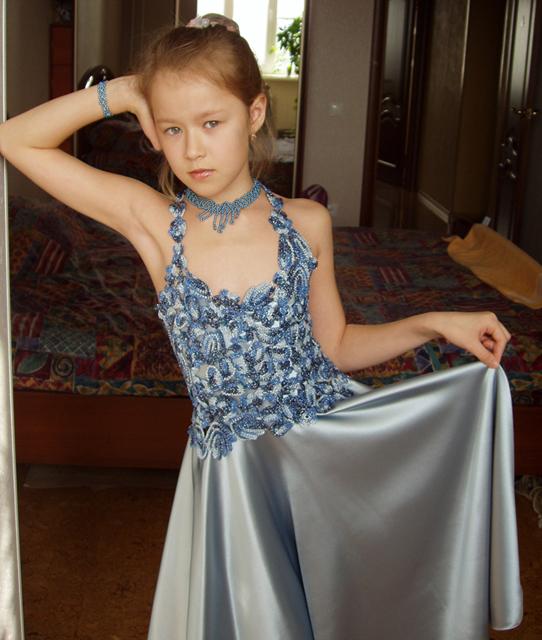 Детское платье. Одежда для детей