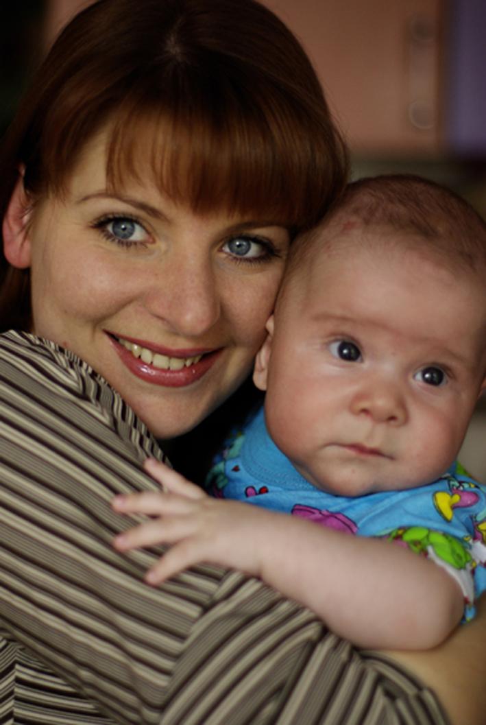 Егорка с любимой мамочкой!. Вместе с мамой