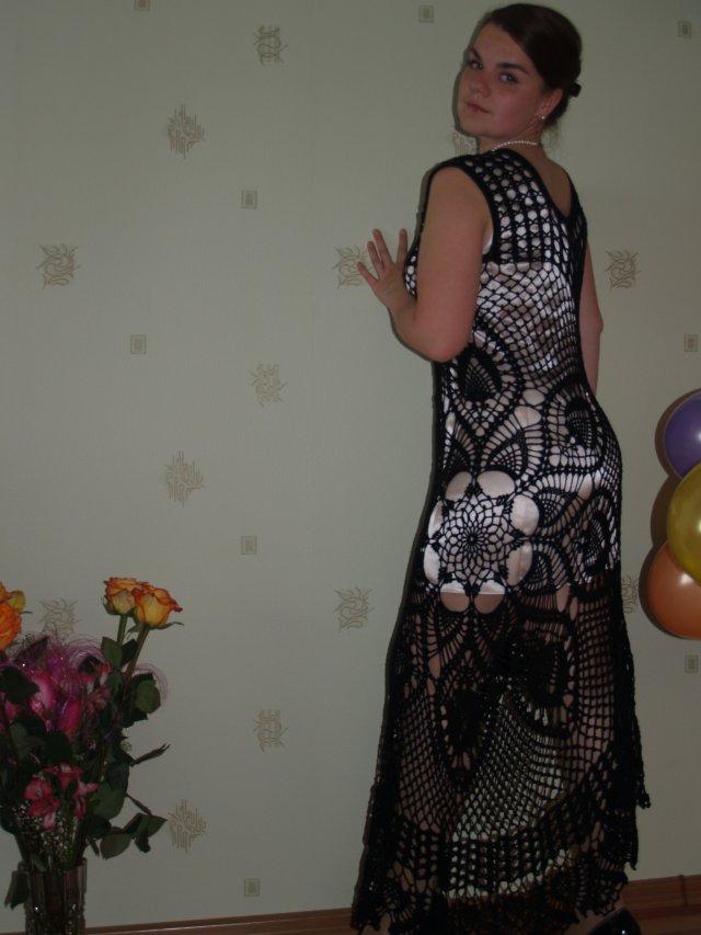 Платье на основе салфетки. Одежда