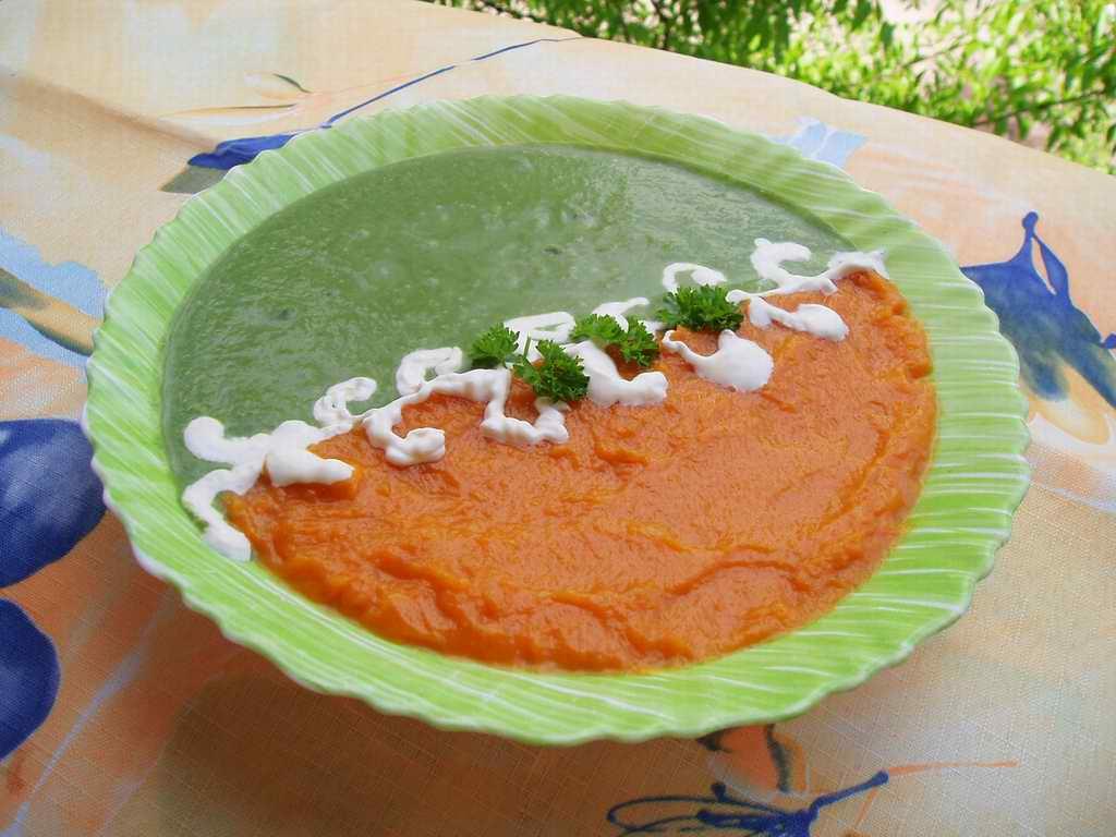 Суп-пюре из шпината и тыквы. Кулинарные шедевры
